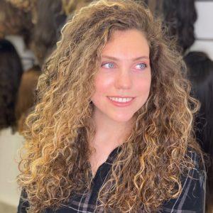 הרצליה דיין - פאת לייס, שיער מתולתל